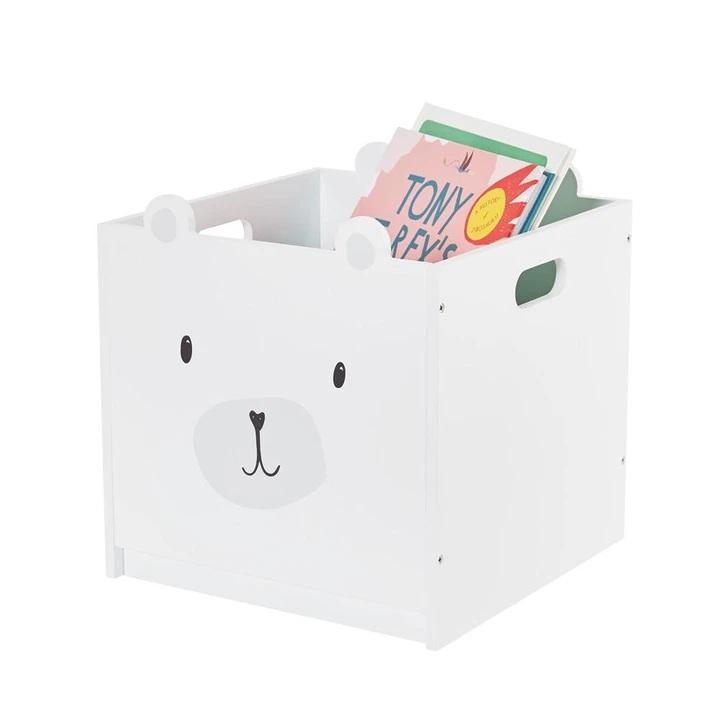 Kid safe bookshelf | Piccolo House